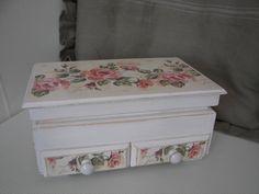decoupage box roses