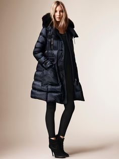 Burberry showerproof down-filled puffer coat with a detachable fox fur trim on the drawcord hood. Discover the women's outwear collection at Burberry.com