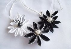 Black and White Flower Fabric Necklace Kanzashi by HandyCraftTS Satin Flowers, Bridal Flowers, Fabric Flowers, White Flowers, Fabric Necklace, Flower Necklace, Kanzashi Flowers, Flower Making, My Flower