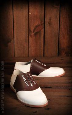 Wunderschöne SaddleShoes. :) Sehen besonders in braun traumhaft aus! Grandios zu Jeans, zur Latzhose, zum SwingTanzen