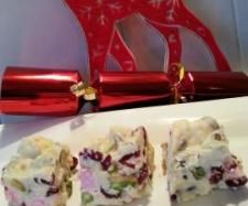 Recipe Decadent White Christmas by Witsy, learn to make this recipe easily in your kitchen machine and discover other Thermomix recipes in Desserts & sweets. Christmas Sweets, Christmas Cooking, White Christmas, Christmas Recipes, Xmas Hampers, Thermomix Desserts, Sweets Recipes, Xmas Gifts, Sweet Treats