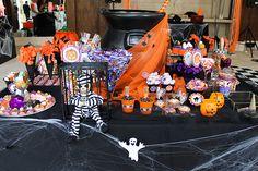 Festa de halloween para reunir os amigos do prédio