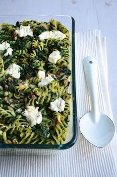Ovenpasta met spinazie en geitenkaas. Zonder spekjes