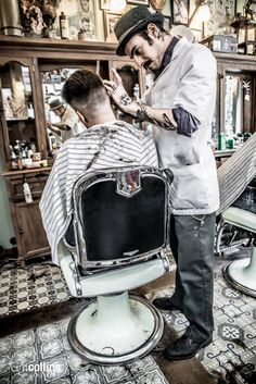 Schorem Haarsnijder En Barbier - ''A men only old school barbershop specialized in traditional haircuts and hot towel straight razor shaves.''