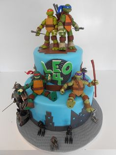 two tier TMNT birthday cake