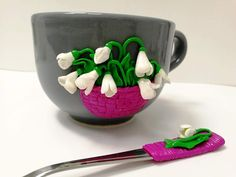 Handmade by Do : Cup and spoon decorated with polymer clay snowdrop. Clay Mugs, Biscuit, Spoon, Polymer Clay, Planter Pots, Tableware, Handmade, Decor, Fimo