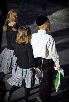 mea sharim is an ultra-orthodox Jewish neighborhood in Jerusalem.
