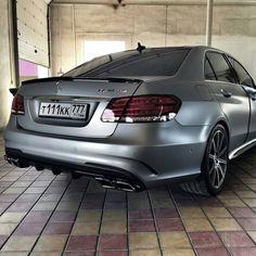 Mercedes-Benz E 63 [S] AMG (Instagram @mercedesbenzblog)