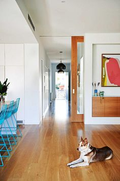 A Californian bungalow's family-friendly renovation A timber framed glass sliding door allows for full visibility from one end of the house to the other. A timber sideboard is inset flush into the wall in this open-plan living, kitchen and dining sp Timber Sliding Doors, Cavity Sliding Doors, Internal Doors, Sliding Glass Door, Barn Doors, Sliding Wall, Glass Doors, Front Doors, Wood Doors