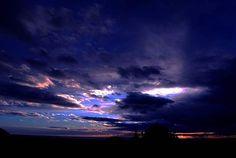 Reposting @el_despotricador_anhedonico: #friday #viernes #sunsetsandsunrises #sunsets #skyporn #sky #skylovers #skyphotography #instamoment #instandaily #instagood #picoftheday #photooftheday #autumn #otoño #photography #photographer #cielos #nature #naturaleza
