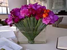 My friend julia sent me this bouquet from her shop in NYC Ovando 337 bleeker street http://yfrog.com/nwzqhioj