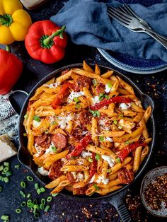 Penne Arrabiata with mozzarella and chorizo for a delicious twist on the classic… – Gesundes Abendessen, Vegetarische Rezepte, Vegane Desserts, Italian Pasta Recipes, Yummy Pasta Recipes, Italian Dishes, Dinner Recipes, Cooking Recipes, Healthy Recipes, Sauce Chorizo, Chorizo Pasta, Penne Arrabiata
