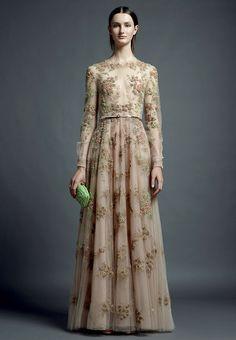 Vestidos de novia (Inspiración) // Wedding dress (Inspiration)   Valentino son deleita con una colección  para el 2013 llena de detalles preciosos :)  #valentino #valentinonovia #vestidonovia