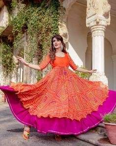 big flair double layer fabric Bangalore silk, order customize buy for contact on whats app ,look mom and kids Long Gown Dress, Sari Dress, Anarkali Dress, Long Frock, Anarkali Suits, Dress Skirt, New Designer Dresses, Indian Designer Outfits, Designer Wear