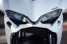 The bile I would buy today. New Ducati, Moto Ducati, Ducati Motorcycles, White Motorcycle, Sportbikes, Super Sport, Bike Life, Concept Cars, Motorbikes