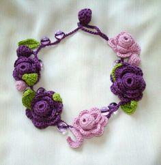 Örgü çiçek kolye