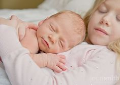 So adorable. Could I borrow someone's newborn to take this picture with HD?! :)