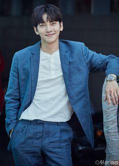 "[Drama] A pictorial starring Ji Chang Wook, ""Maketh Suit King"" Park Hae Jin, Park Seo Joon, Korean Men, Asian Men, Asian Actors, Korean Actors, Suspicious Partner Kdrama, Ji Chang Wook Smile, Ji Chang Wook Abs"