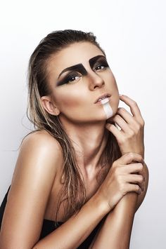 #editorial #beauty #makeup #smokey #contour #black #white #shadows #boho #indian #facepaint  #glowy #skin #photography #studio #oanabusuioc #makeupartist #wet #hair #blonde #photo #bystelianpopa