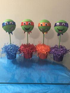 Teenage Mutant Ninja Turtle inspiriert Party-Mittelstücke Source by ApeMarieEliz Turtle Birthday Parties, Ninja Turtle Birthday, Ninja Turtle Party, Ninja Turtles, 5th Birthday, Ninja Turtle Cake Pops, Birthday Ideas, Ninja Turtle Centerpieces, Party Centerpieces