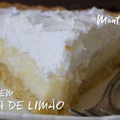 Como não amar torta de limão. Minha sobremesa preferida, qual a sua? receita completa, clica no link: http://www.montaencanta.com.br/tortas/torta-de-limao-com-marshmallow/ ou acesse www.montaencanta.com.br. A receita é destaque por lá. 😋 bom Apetite. #torta #patesable #massapodre #tortadoce #tortadelimao #montaencanta #receita #limao #cremedelimao #marshmallow #marshmallowcaseiro #leitecondensado #leitecondenssdocomlimao #receita #sobremesa #moussedelimao #tahiti #sucodelimao