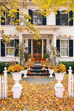 Halters & Handbags dream homes, autumn, front porch, curb appeal, fall decorations, fall porches, fall home, dream houses, entrance