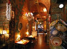 A lovely restaurant in Florence, Italy ! Wanna spend a day there, sooooo bono! Best Places To Eat, The Places Youll Go, Wonderful Places, Beautiful Places, Italian Honeymoons, Italy Restaurant, Italy Honeymoon, Florence Tuscany, Siena
