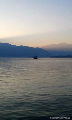 #aiquattroventi - La bruma autunnale sul Lago Maggiore, da Arona (Piemonte, Italia)