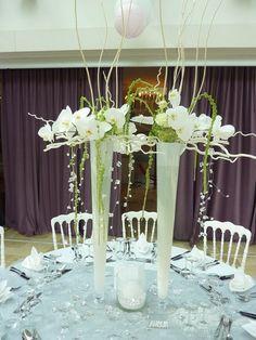 Création de Compositions florales par l'atelier d'Anaïs pour un mariage et une reception dans le Var - Décoration d'intérieur et composition florale Var - Lionel Roche Decoration