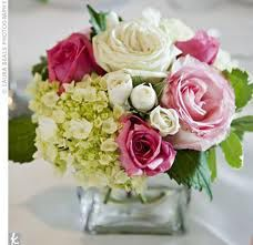 Centre de table pivoines hortensias roses 15 €