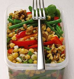 Six healthy vegetarian recipes for men - Chickpea power lunch salad