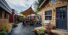 http://tinyhometour.com/2016/07/01/welcome-to-the-lovely-portland-tiny-home-hotel/?src=bottomxpromo