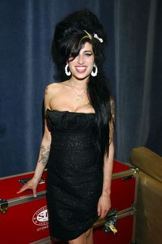 She was dressed in a sultry black dress for a January 2006 performance in NYC.