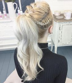 DIY Ponytail Ideas You're Totally Going to Want to 2019 Adorable Ponytail Hairstyles; Classic Ponytail For Long Hair; Dutch Braids To A High Pony;High Wavy Pony For Shoulder Length Hair Wavy Ponytail, Braided Ponytail Hairstyles, Box Braids Hairstyles, Straight Hairstyles, Ponytail Ideas, High Ponytail With Braid, Braids Ideas, Teen Hairstyles, High Ponytail Styles