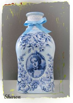 Las manualidades de Sharon: Botellas con decoupage