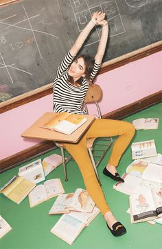 WallpapHer Top & Fire Jeggings love the mustard FIRE jeans High School Fashion, Hollywood Scenes, Pinwheel Bow, Future Clothes, Vintage School, School Photos, Lv Handbags, Girls Accessories, Colorful Fashion