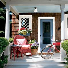 this front porch just oozes summertime...