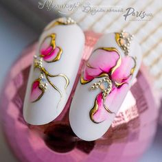 Pin by Victoria Khvostova on Flowers on Nails in 2020 . Acrylic Nail Tips, Red Acrylic Nails, Gel Nail Art, Beautiful Nail Art, Gorgeous Nails, Glam Nails, Cute Nails, Nail Art Fleur, Art Deco Nails
