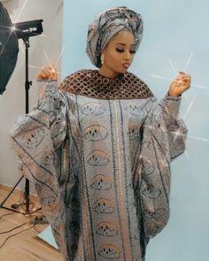 African Dresses For Kids, African Maxi Dresses, African Attire, African Blouses, African Lace, Ankara Fashion, African Fashion, Kaftan Designs, Jan 17