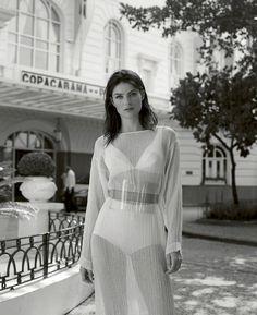 Harpers Bazaar Spain July 2016 Isabeli Fontana by Thomas Whiteside-3
