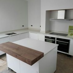 Kitchen of the week… Located in Abingdon, Northampton, showcasing the Bianco De Lusso - Rock and Co Granite Ltd Large Open Plan Kitchens, All White Kitchen, Dining Bench, Solid Wood, Sink, Layout, Modern, Furniture, Home Decor