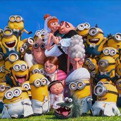 Despicable Me Amor Minions, Minion S, Cute Minions, Minion Banana, Minions Despicable Me, Happy Minions, Minions Quotes, Minion Wallpaper Iphone, Disney Wallpaper