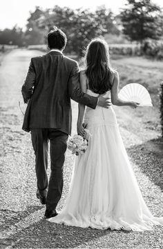 wedding dress, black and white, couple, wedding inspiration, wedding photography White Couple, Groom Poses, French Wedding, Boho, Just Married, Wedding Couples, Wedding Pictures, Wedding Blog, Marie