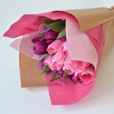 A simple, pretty way to dress up and present a simple bunch of flowers | DIY your own flower bouquet wrapping.