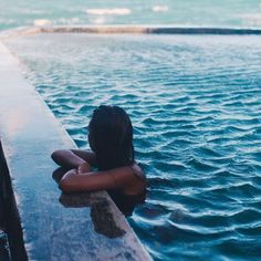 Pool picture ideas small soft sided above ground swimming pool in a Summer Vibes, Pool Tumblr, Beach Foto, Piscina Do Hotel, Goddess Of The Sea, Pool Picture, The Beach, Sand Beach, Beach Pics