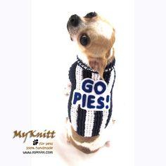 Magpies football club GO PIES! #handmade #diy #crochet #tagt #etsyteam #AFC #australia #footy #magpies #myknitt #chihuahua