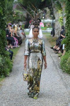 5da7dcecfd7 Dolce   Gabbana Alta Moda Fall 2018 Como Haute Couture Fashion