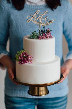 Hochzeitsdeko - Cake Topper, Tortenfigur Liebe für Hochzeit Holz - ein Designerstück von Traum-Tag bei DaWanda