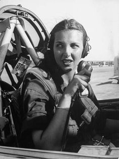 Photographic Print: Nancy Nesbit, Pilot Trainee in Women's Flying Training Detachment by Peter Stackpole : 24x18in
