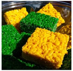 Green and Gold Rice Krispie Treats! #cheeseheads #packers